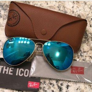 06b46ea9d3 Ray-Ban · Ray Ban Aviator Sunglasses Blue Gold Rb3025 NEW